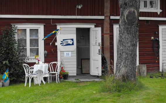 Roda-huset-ljusstrak-2010